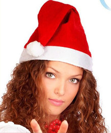 feliz caps por atacado Desconto Novas recomendam nova moda chapéus de Natal vermelho bola branca feliz feriado tampas presentes de Natal atacado acessórios frete grátis