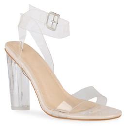 2019 bolso de los zapatos de la boda del rhinestone del oro 2016 Kim Kardashian PVC Zapatos de novia de novia Tacones cuadrados claros Hebilla Correa Estilo de verano Zapatos de fiesta para mujer Tallas grandes US4-US15 Por encargo