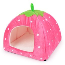 Wholesale Dog S Beds - Classic Strawberry Dogs Bed Green Leaf Handle Strawberry Dog Kettle Foldable Soft Winter Small Dog House 4 Colors Cute Dog House S