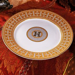 "Wholesale Shape Porcelain - Porcelain flat plates bone china ""H"" mark mosaic design outline in gold round shape 8"" flat plate bone china dish middle plate"