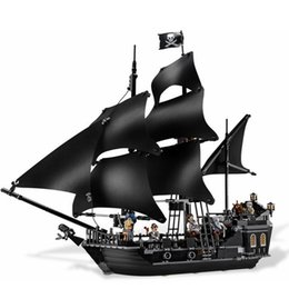 Wholesale Pirates Black Pearl Ship - The Black Pearl Ship 804Pcs Bricks Set Pirates of the Caribbean Building Blocks Toys For Children Compatible with Legoing