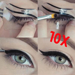 Wholesale Eyeliner Shaper - Wholesale-2016 Free Shipping 110Pcs 2 Styles Beauty Cat Eyeliner Models Smokey Eye Stencil Template Shaper Eyeliner Makeup Tool NA1128