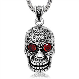 Wholesale Old Pendants - Wholesale Stainless Steel Face Skull Pendent For Man Old Retro Vintage Punk Necklace Charm Pendant