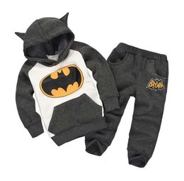 Wholesale Boys Clothing Size 5t - NEW and the boy set heat Batman suit children's clothing for boys and girls Hoodie and jacket suit Baby Size Pink Blue tw