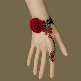 Maskerade schmuck online-Vintage Gothic schwarzer Spitze Armband rote Rose Blume Kette Edelstein Fingerring Maskerade Party Hochzeit Armband Armreif Schmuck