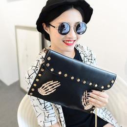 Wholesale Clutch Skull Messenger - European and American Fashion Designer Handbags Women PU Leather Chain Shoulder Messenger Bags Envelope Skull Rivet Cover Clutch Bags Purse