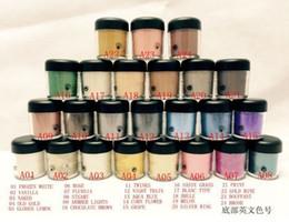 Nouvelle ombre à paupières 24 couleurs en Ligne-Livraison gratuite NOUVEAU 7.5g de pigment fard à paupières / Ombre à paupières Mineralize avec couleurs anglais Nom 24 couleurs (6pcs / lot) Couleur aléatoire mélangée