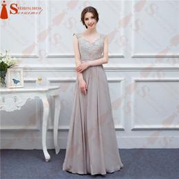 154c8f8308 Envío gratuito grises vestidos de dama de gasa larga de la alta calidad del  bordado desnuda volver ver a través de las novias dama de honor verdadero  de la ...