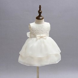 Wholesale Dress Party White Baby - Retail Newborn Baby Girls Princess Birthday Party White Formal Christening Gown Dress with Bow Dresses for 0-24 Months 2089