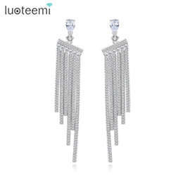 Argentina LUOTEEMI Fantastic Stri Tassel Many Tiny CZ Stone White Gold Color Long Dangle Pendiente Drop Jewelry para Mujer Pendientes Brinco Suministro