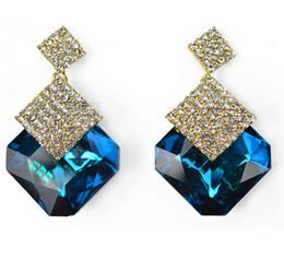 Wholesale Diamond Jewelery - Europe and America Women Classic Diamond Stud Earring Fashion Girls Crystal Earring Blue Green Crystal 3 Colors Night Party Jewelery Earring