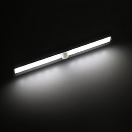 Canada Garde-robe Lumière, KingSo Rechargeable Motion Sensor Closet Lights 10 LED Pure White 120 ° PIR Sensor Sans fil Cabinet de mur NightLight Offre