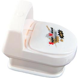Wholesale Toilet Toys - Wholesale- White Mini Interesting Funny Toilet Bowl Supernatural Water Gun Toy For Kids Children