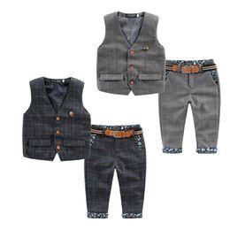 Wholesale Tuxedo Plaid Boys - 2016 autumn children new England style baby boys clothes set plaid kids vest+pants boy tuxedo suit for webbing child clothing 2-6 year