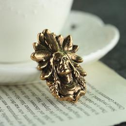 Spille in stile indiano online-Spilla indoeuropea capo capo spilla retrò stile moda spilla Medaglia di gioielli distintivo fede imperatore Dorian