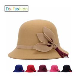 Frau kirche rosa hut online-Designer-elegante Fedoras-Hüte mit Blattblume für Frauen Kentucky-Derby-Hut-Damen-Kleid-Kirchen-Hut-Rosa-Honig-formale Hochzeits-Eimer-Kappe