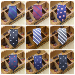 Wholesale Men Stripe Neck Ties - 2016 NEW Men 5cm Neck polyester fibre Neck Ties Knots tie Men's fashion Narrow Design pointed end Necktie arder Neck Ties