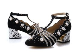 Wholesale black feather pumps - top quality! u624 40 genuine leather pearl rhinestone t strap med heels shoes designer runway g