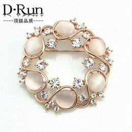 Wholesale Heart Wreaths Wholesale - 2016 Free postage boom latest Korean decorative opal diamond wreath brooch gift jewelry boutique wild