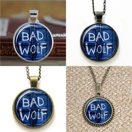 2020 gemelli di lupo 10pcs Bad Wolf Tardis Doctor Who vetro ciondolo cupola collana portachiavi segnalibro gemello braccialetto orecchino sconti gemelli di lupo
