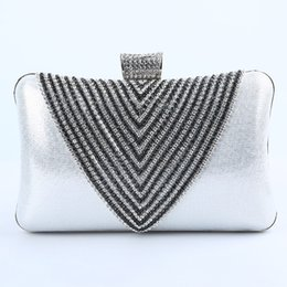 Wholesale Evening Formal Clutch Bags - Elegant Diamonds Bridal Hand Bags Silver Formal Evening Prom Bags 2016 Clutches Lady Sequined Bride Accessories Free Shipping Open 2015