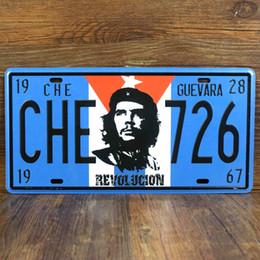 "Оловянные вагоны онлайн-Wholesale- RONE089 vintage license famous car plates "" CHE-726 Revolucion "" vintage metal tin signs garage painting plaque picture 15x30cm"