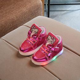 KT Chats 2017 Nouvelle Marque Enfant Lumineux Sneakers Strass Enfants LED  Flashing Boot filles Casual Chaussures avec lumières taille 21 ~ 30 bottes  fille ... ec18879dd5cf