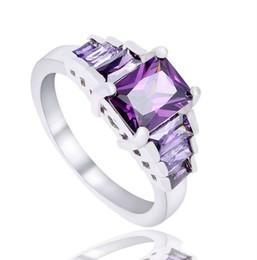 2019 anillo de diamantes de cristal swarovski 18k Anillos de boda para mujer Alianza de plata de ley 925 Anillos de boda bonitos Oro blanco Circonita cúbica Diamante Zafiro Anillos de piedras preciosas