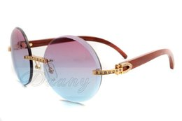 Wholesale Gold Arm Sunglasses - 2017 new style full diamonds, round trendy sunglasses 3524012 with natural wood arms, in gold Size: 56-18-135 mm