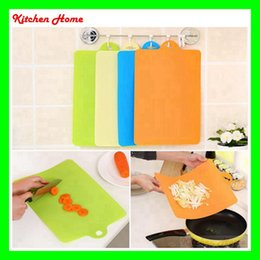 Wholesale Flexible Plastic Cutting Board - 4pcs lot Curving Kitchen Chopping block for Different Use Flexible Plastic Cutting Board Antibiotic Resistant Portable Chopping Board