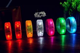 YENI Unisex Ses Kontrollü LED Işık Up Bilezik Aktif Glow Flaş Bileklik Noel Günü Festivali Parti Için hızlı teslimat nereden