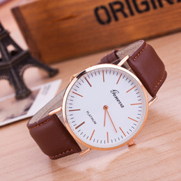 Женева унисекс женские часы мужские часы простой классический кожаный Montre аналоговый кварцевые Vogue наручные часы акции черный и коричневый от Поставщики модные черные часы