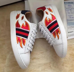 Wholesale Small Size Shoes Women - The new European station leather casual women with flat bottom small white shoes couple shoes comfortable large size shoes men