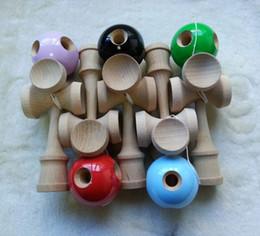 Juguetes de niños japoneses tradicionales online-20 unids venta al por mayor 5 agujeros +5 tazas Kendama Jumbo Ball Toy juguete de juego de madera tradicional japonesa PU pintura haya para niño adulto