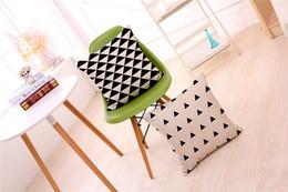 Wholesale Black Couch Throw Pillow - 45*45 cm Decorative Designer Black White Abstract Geometric Throw Pillowcase Pillow Cover for Couch Abstract black and white pillowcase