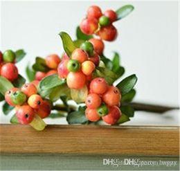 Ragazza fai da te manuale copricapo natalizio simulazione glassato singolo piccolo frutti di bosco sparare fotografia puntelli foglia falso fiore bouquet casa wedd da