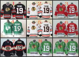 Toews jerseys rojos online-Chicago # 19 Toews Blanco Rojo Verde Hockey negro Jerseys Ice Winter Home Jersey Visitante Jersey cosido Authentic Mix Order