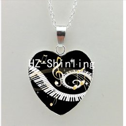 Wholesale Heart Shaped Glass Pendants - New Grand Piano Heart Necklace Music Piano Heart Pendant Black and White Piano Keys Jewelry Women Heart Shaped Necklace NHT--0050