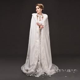 kristall perlen hochzeit jacke Rabatt 2017 neueste Ecru Weiß lange mit kapuze kraftstoff wärmste mantel mantel braut haar Cape Mantel fabrik direktverkauf kostenloser versand