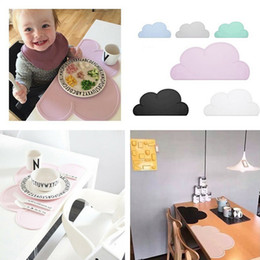 Wholesale Utensils For Baby - 80pcs Hottest Design New Kitchen Accs 48cm*27cm Utensil Mats Heat Resistent Silicone Cloud Shaped Placemat For Baby Tableware Mat ZA0433