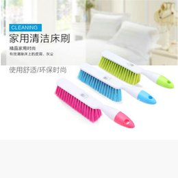 Wholesale Furniture Goods - Good thickening bed brush candy color electrostatic dust removal Coagent home long handle clean plastic soft brush wholesale