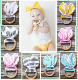 Wholesale Crinkled Fabric - Infant baby Teethers Teething Ring teeth Fabric and Wooden Teething training Crinkle Material Inside Sensory Toy Natural teethers bell B1012