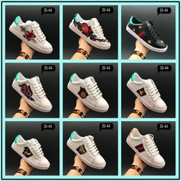 Wholesale Pvc Plastic Woman - 2017 Low Top Black And White Leather Men Women G Casual Shoes 2017 New Designer Fashion Snake Embroidery For Love Sneakers