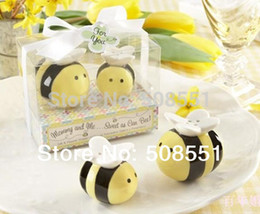 Wholesale Perfect Party Favors - Wholesale- New 2016 Lovely Ceramic Bee Salt & Pepper Shakers for Wedding Favors Perfect Wedding Gift