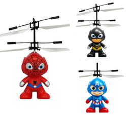 2019 heróis voadores Herói dos desenhos animados RC Bola Voadora 3 estilos batman homem aranha bola voadora Capitão América herói Crianças Adolescentes Brinquedos voadores heróis voadores barato