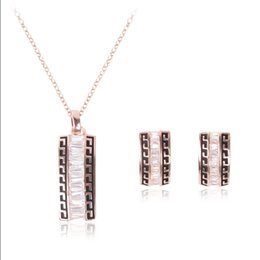 Wholesale China Lady Fashion Suit - 2015 new European and American fashion jewelry inlaid crystal necklace earrings piece suit ladies party jewelry gift