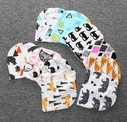 Cappello di volpe appena nato online-Babys cappelli invernali neonati neonato cappello 100% cotone 2016 nuovi autunno INS all'ingrosso Frutta volpe modelli Toddler stampa cappello rotondo 0-3anni