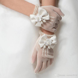 Wholesale White Kids Gloves - Bridal Accessories White Princess Flower Girl Gloves Sheer Mittens Kids Pageant Gloves Girl White Gloves For Weddings 2016 New Arrival