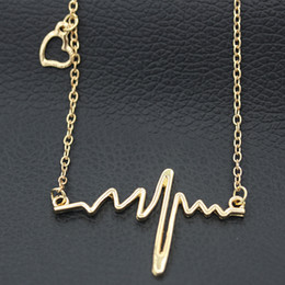 Wholesale Necklaces Heartbeat - Pendant Necklace Women Simple Wave Heart Necklace Chic ECG Heartbeat Gold Plated Lightning Necklace Jewelry Accessories Chain Necklaces