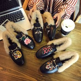 Wholesale Butterfly Mother - 2017 New Women Tiger embroidery girl mother Plus Cashmere Indoor Shoes With Butterfly-knot Non-slip Soft Floor Snake embroidery shoes 35-40
